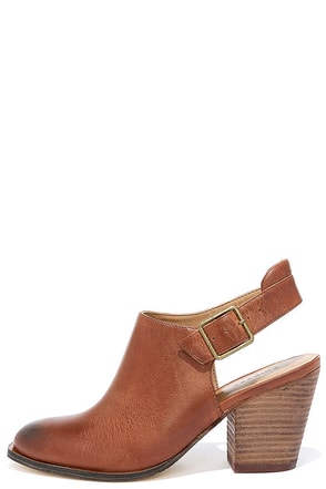 Chinese Laundry Katrina Tobacco Brown Leather Slingback Boot at Lulus.com!
