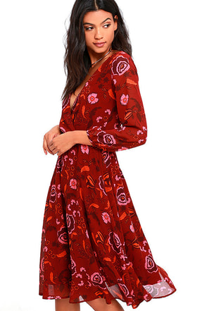 BB Dakota Carabelle Burgundy Floral Print Midi Dress at Lulus.com!