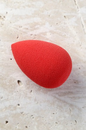 Beautyblender Red Carpet Makeup Sponge 1