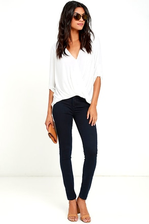 Blank NYC Shotgun Rider Dark Wash Skinny Jeans at Lulus.com!