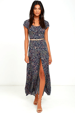 Black Swan Michel Navy Blue Floral Print Maxi Dress at Lulus.com!