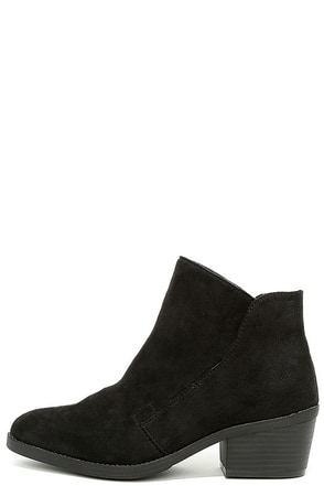 Madden Girl Boloo Black Suede Ankle Booties at Lulus.com!