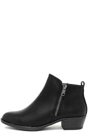 Madden Girl Boleroo Black Ankle Booties at Lulus.com!