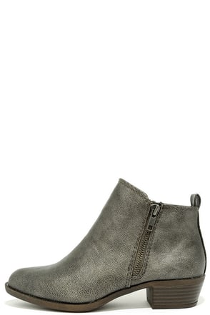 Madden Girl Boleroo Pewter Ankle Booties at Lulus.com!