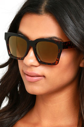 Knock Tortoise and Dark Gold Mirrored Sunglasses at Lulus.com!