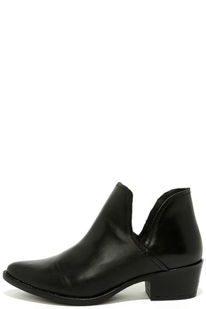 Steve Madden Austin Black Leather Ankle Booties at Lulus.com!