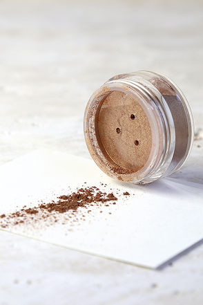 Obsessive Compulsive Cosmetics Dope Bronze Loose Colour at Lulus.com!