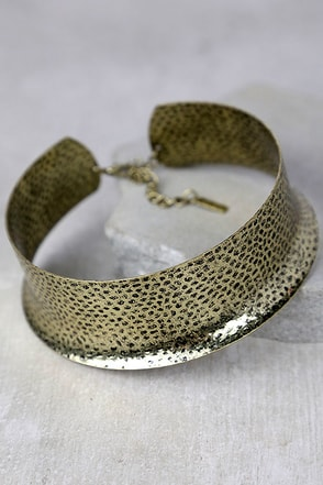 Anguilla Antiqued Gold Choker Necklace at Lulus.com!