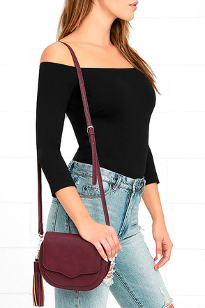 Small Wonder Burgundy Purse at Lulus.com!
