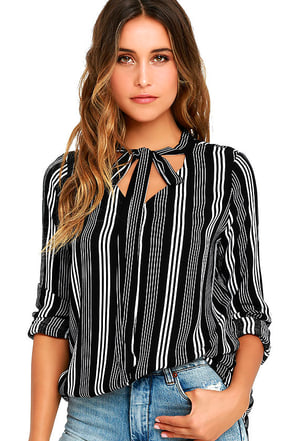 Fashion Influencer Black Striped Long Sleeve Top at Lulus.com!