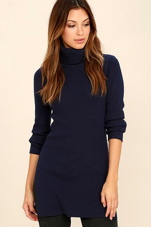 Vogue Vocation Navy Blue Long Sleeve Tunic Top at Lulus.com!