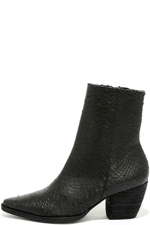 Matisse Caty Black Leather Snakeskin Mid-Calf Boots at Lulus.com!