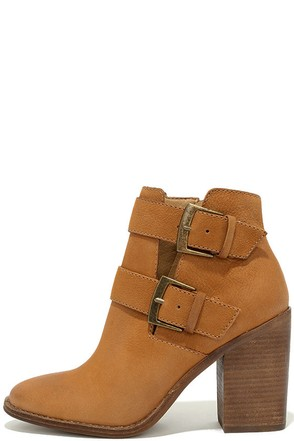 Steve Madden Trevur Cognac Leather High Heel Booties at Lulus.com!