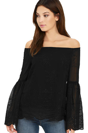 Find Me There Black Lace Off-the-Shoulder Top at Lulus.com!