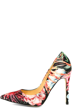 Daya by Zendaya Kyle Red Multi Print Pumps at Lulus.com!