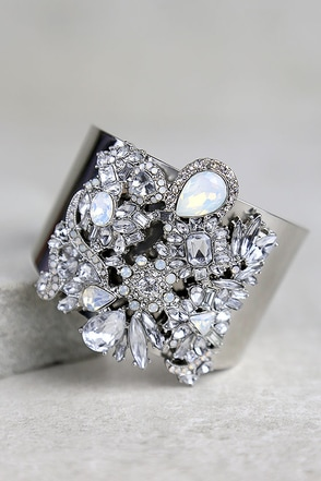 Dreamt of This Silver Rhinestone Cuff Bracelet at Lulus.com!