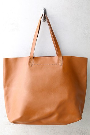 Williamsburg Black Leather Tote at Lulus.com!