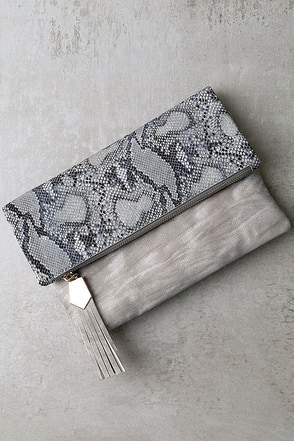 Wink and Kiss Grey Clutch at Lulus.com!