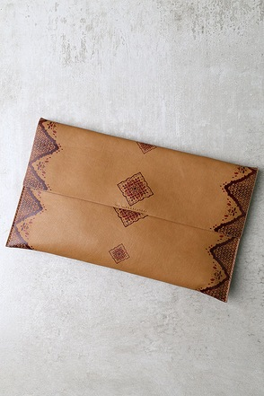 Temecula Tan Clutch at Lulus.com!