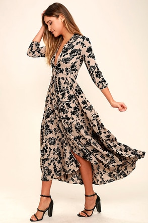 Amuse Society Weston Taupe Floral Print Midi Dress at Lulus.com!