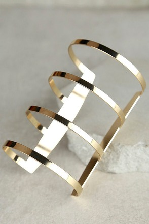 The Wonder Gold Cuff Bracelet at Lulus.com!
