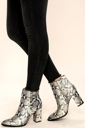 Seychelles Accordion Black and White Python Leather Ankle Boots at Lulus.com!