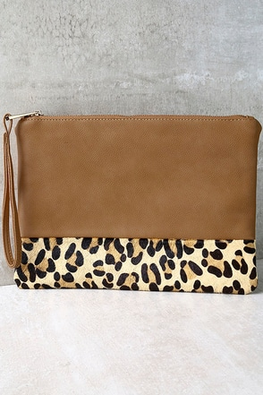 Spot-acular Tan and Pony Fur Leopard Print Clutch at Lulus.com!