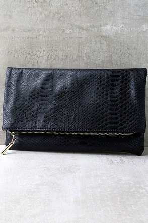 Bayou Babe Black Clutch at Lulus.com!