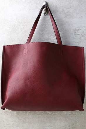 Reverse Role Wine Red and Black Reversible Tote at Lulus.com!