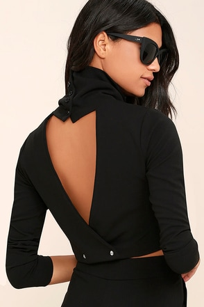 Temptations Black Long Sleeve Crop Top at Lulus.com!