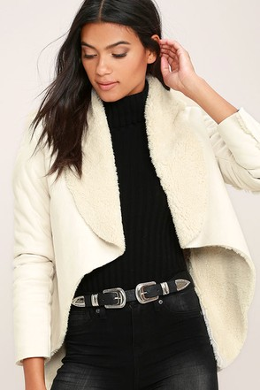 Apres Ski Cream Sherpa Coat at Lulus.com!