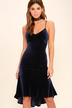 Charming Charleston Navy Blue Velvet Midi Dress at Lulus.com!