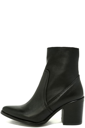 Steve Madden Peaches Black Leather Mid-Calf Boots at Lulus.com!