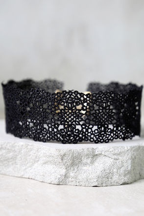Touch My Soul Black Lace Choker Necklace at Lulus.com!