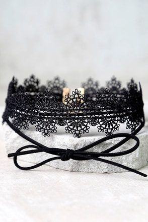 Sound of Truth Black Lace Choker Necklace at Lulus.com!