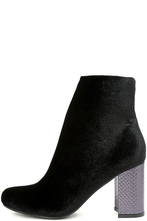 Mae Black Velvet Ankle Booties at Lulus.com!