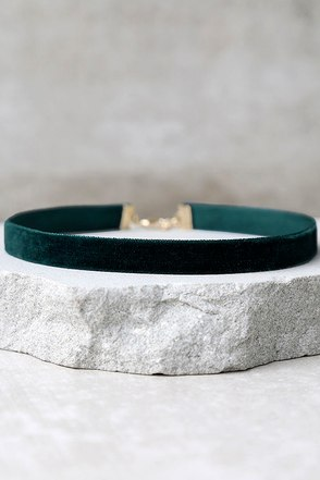 Love Me Forever Dark Green Velvet Choker Necklace at Lulus.com!