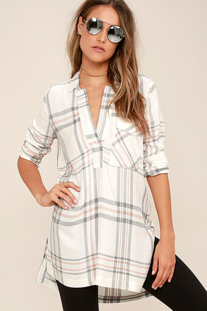 Chic Thrills Ivory Plaid Tunic Top at Lulus.com!