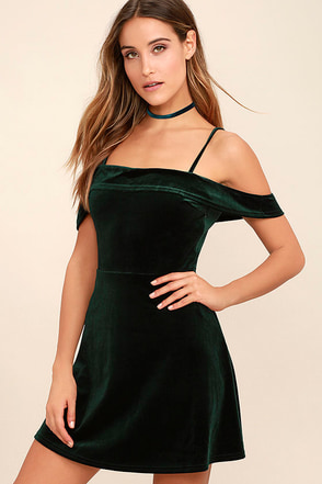 My Kind of Romance Dark Green Velvet Off-the-Shoulder Dress at Lulus.com!
