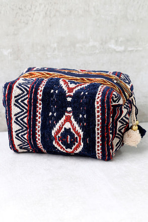 Open Waters Rust Red and Navy Blue Print Makeup Bag at Lulus.com!