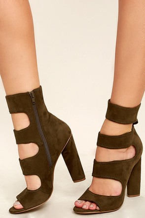 Steve Madden Tawnie Black Suede Caged Heels at Lulus.com!