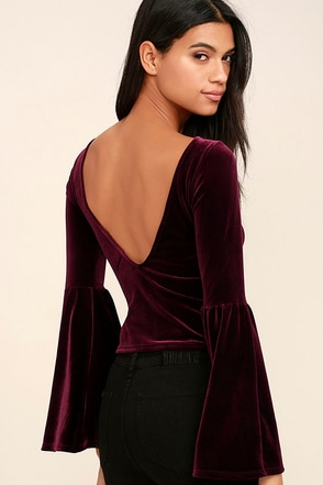 Look to the Moon Burgundy Velvet Long Sleeve Crop Top at Lulus.com!
