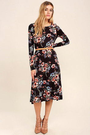 Dance in the Rain Navy Blue Floral Print Long Sleeve Midi Dress at Lulus.com!