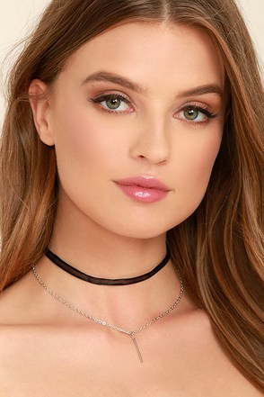 Mesh Case Scenario Black and Silver Layered Choker Necklace at Lulus.com!