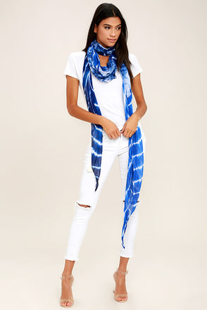 Lakeside Drive Blue and White Tie-Dye Scarf at Lulus.com!