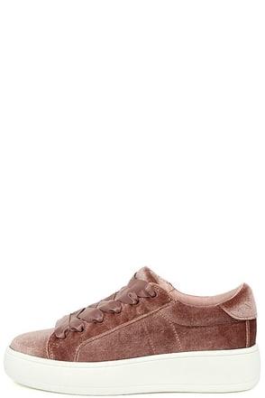 Steve Madden Bertie-V Blush Velvet Sneakers at Lulus.com!