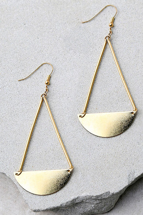 Doing the Most Gold Earrings at Lulus.com!