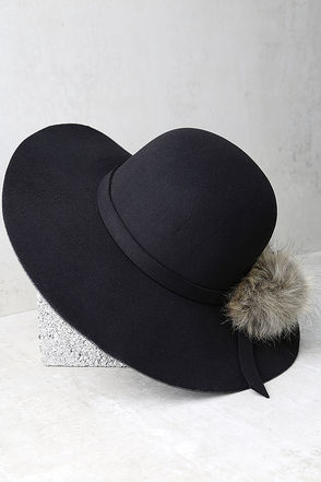 Enigmatic Force Grey Fur Pompom Hat at Lulus.com!