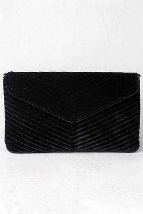 Keep it Poppin' Black Velvet Clutch at Lulus.com!