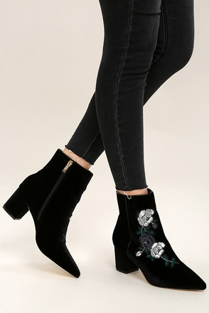 Women's Ankle Boots, Booties, High Heel & Knee High Boots.